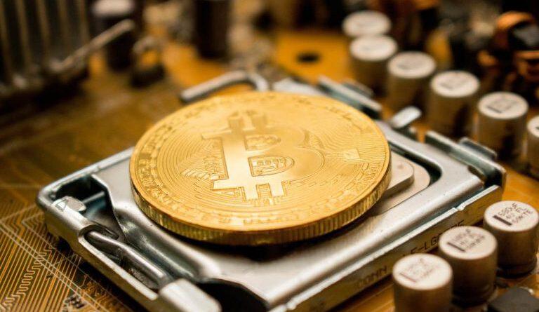 Bitcoin Madencileri Günde 50 Milyon Dolardan Fazla Kazanıyor ve BTC'lerini Oynatıyor Eteryum