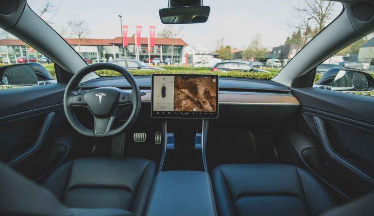 Tesla Büyük ihtimalle Bitcoin (BTC) Kabulüne Devam Edecek – Elon Musk Eteryum